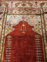 Kaiseri selyem imaszőnyeg, XX. század legeleje, 128 x 174 cm-es.