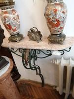 Aranyozott bronz  konzolasztal márvány lappal.  XIX. század.