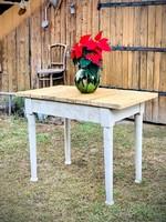 Vintage, rusztikus étkező asztal