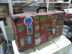 Régi utazó bőrönd