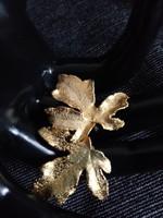 Csoda szép régi aranyozott juharlevél bross