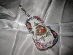 Alt Wien ékszertartó porcelán hegedű 16,5 cm ,érdekes ,ritkán látható  tárgy