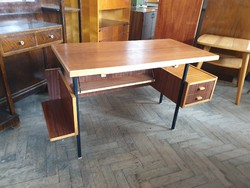 Retro régi fémvázas polcos íróasztal mid century asztal