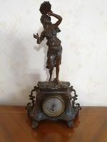 Antik szobros francia kandallóóra