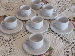 Fehér kávés csésze alátéttel retro