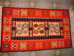 Kilim-Gyapjú szőtt szőnyeg 115 cm X 67 cm