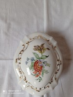Kézzel festett porcelán ékszerdoboz, virágmintás dekorral
