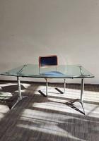 Korabeli posztmodern indusztriális íróasztal