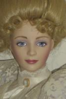 Eladó Franklin Mint Dolls porcelán baba 58 cm.