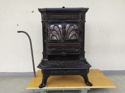 Antik öntöttvas fekete vas kályha kandalló