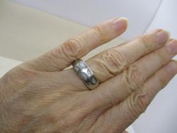 Nagyon szép ezüst gyűrű gyöngyházzal és markazitokkal