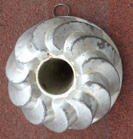 Antik fém kuglóf sütőforma - extra kicsi méret