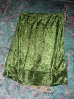 Lime zöld rugalmas anyagú bársony szoknya