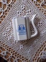 Cseh Victoria porcelán csőrös pohár, SOS gyermekfalu felirattal, egyedi darab, jelzett