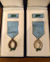 Rendvédelmi szolgálati jel , X,XX éves ,jelzett ezüst , eredeti dobozban