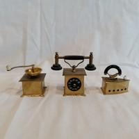 Nagyobb miniatűr telefon , daráló , vasaló egyben