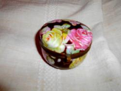 Antik  réz szerelékkel porcelán ékszertartó
