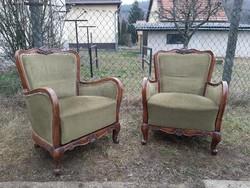 Gyönyörű faragott mintás kényelmes fotel