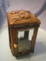 U9 Antik szecessziós bronz urnatartó csiszolt üveggel ajtóval 4 lábon álló