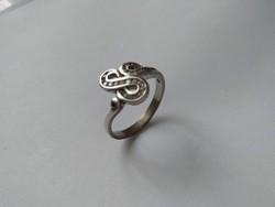 Női ezüstgyűrű