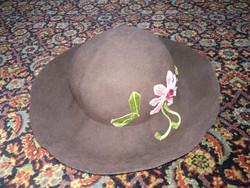 Olasz gyapjú kalap női fejfedő a 70-es évek stílusában, vintage antique hat