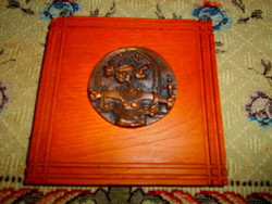 Balatoni Klára bronz plakett keményfa alapon- falra akasztható