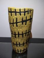 Gorka Lívia ritka dekorral festett amorf váza