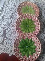 Körmöcbányai rózsaszínű , gyöngyvirágos falitányér 3 db ,