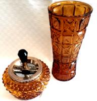 Borostyánszín bütykös üveg hamutartó vázával