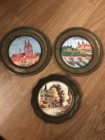 3 db sargarez kis tányér ritka mintával gyűjtői darabok porcelan közép.