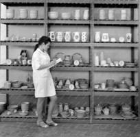 Alföldi porcelán: retro pöttyös/pettyes porcelán kávés készlet 1969. körül, nosztalgia darabok