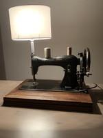 Antik, vintage Naumann varrógép asztali lámpa
