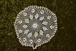 Horgolt csipke kézimunka lakástextil dekoráció kis méretű terítő 22 cm