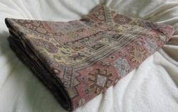 Antik, kaukázusi mintával szövött fal védő vagy ágy védő  187 x 138 cm