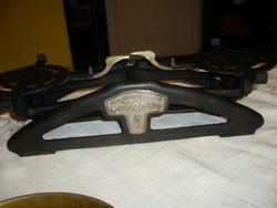 """""""AERO"""" 6 késes, 5 kg-s mérleg 1930.-serpenyők nélkül."""