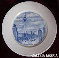 Weimari porcelán dísztányér Berlin Hauptstadt der DDR  d = 23 cm  Hibátlan, jelzett.Echt Weimar
