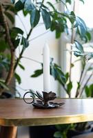 Gyönyörű réz gyertyatartó - leveles, virágkelyhes kialakítással - ezüstözött hatással - vintage