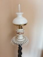 Wallendorf 1764 petróleumlámpa (porcelán, üveg, réz)