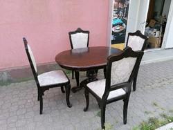 Neobarokk asztal 4db székkel