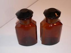 2 db antik barna orvosságos patikaüveg (laborüveg) csiszolt dugóval olcsón eladó