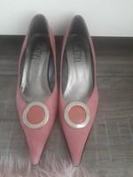 Női tűsarkú cipő 36 os