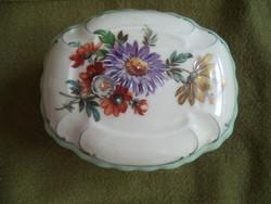 Porcelán bonbonier, vagy dobozka