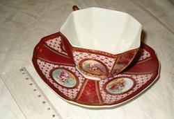 gyönyörüen gazdagon díszitett pohár vagy césze talán kávés nagyon szép porcelán gyárto ismeretlen