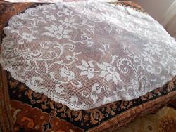 Nagyon szép necc ovális asztal teritő