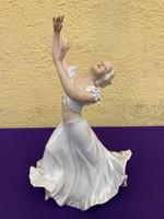 Schaubach Kunst Táncosnő 32cm