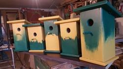 Kerti madárházak különböző színekben