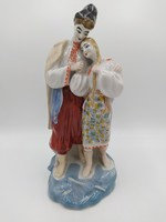 Orosz népviseletű porcelán pár