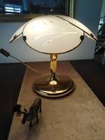 Asztali lámpa üveg búrával, sárgaréz szín bevonattal. / foglalva