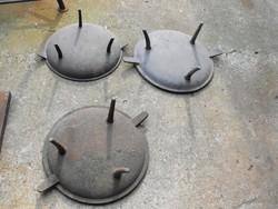 Ritka 3db Eredeti 200 éves háromlábú sütő fedél vas középkori öntöttvas edény fedő Nadrág