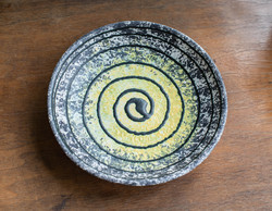Retro kerámia falitál, falitányér spirál mintával, matt mázzal - valószínűleg Bodrogkeresztúri